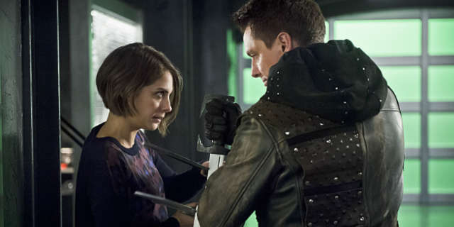 arrow season finale malcom merlyn thea queen reconcile