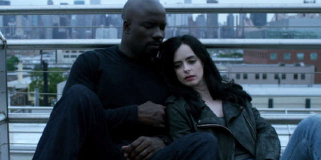 defenders luke cage jessica jones romance mike colter