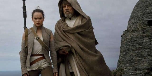 Luke-Skywalker-The-Last-Jedi