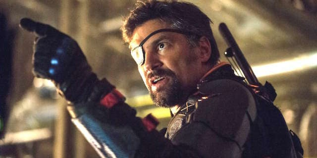 Manu Bennett Had Arrow EP Change A Scene To Make Deathstroke More Badass