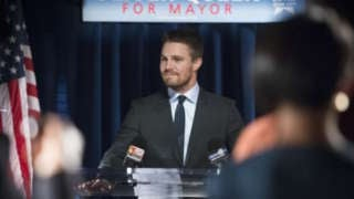 mayor-oliver-queen-arrow