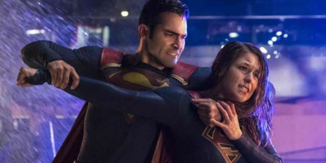 supergirl-superman-fight