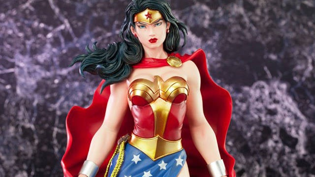 Wonder-Woman-1-6-Scale-Kotobukiya-Art-FX-Statue
