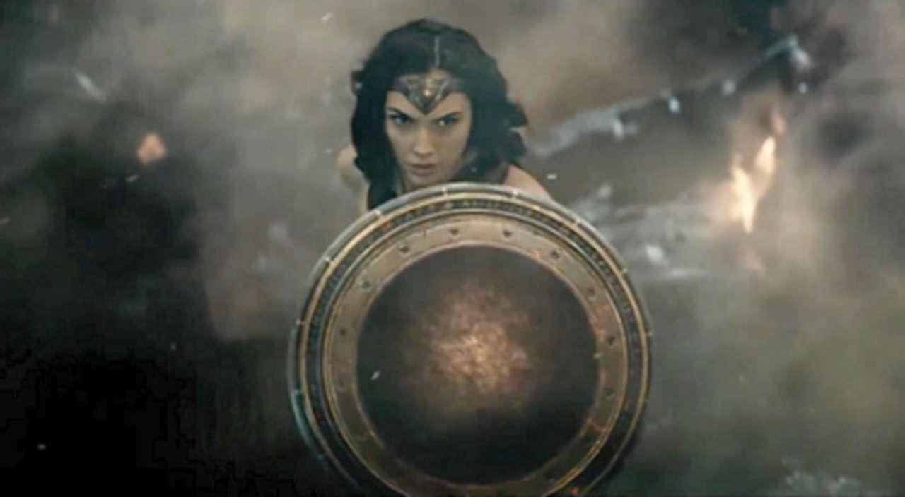 Galerie du Bawon - Page 3 Wonder-woman-shield-999343-1280x0