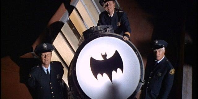 batman-66-bat-signal