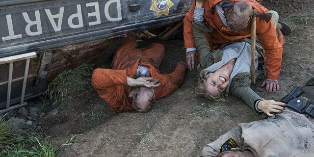 Madison Is Taken Down By Zombies In New Fear The Walking Dead Clip