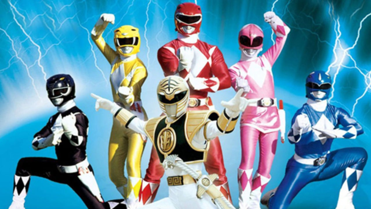 mighty morphin power rangers getting new toy line from bandai