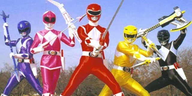 Power-Rangers-Weapons