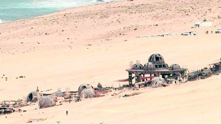 Star Wars: New Han Solo Set Photo Hints At Han's Home on guardians of the galaxy home planet, yoda home planet, luke skywalker home planet,