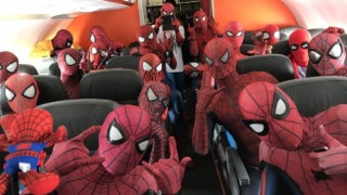 Spider-Man-Cosplayers-Plane