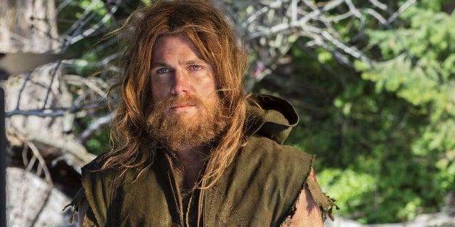 Arrow-Island-Oliver-with-long-hair-and-beard