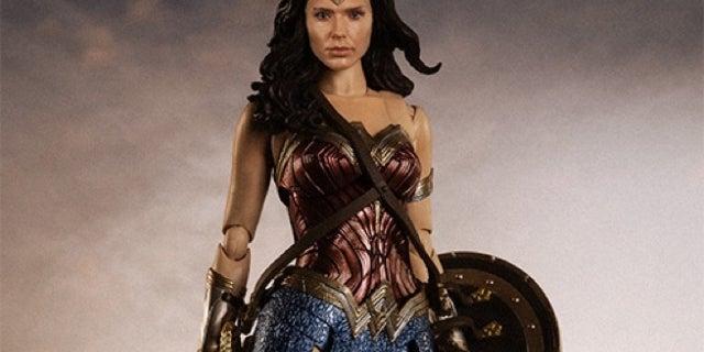 figuarts-justice-league-wonder-woman