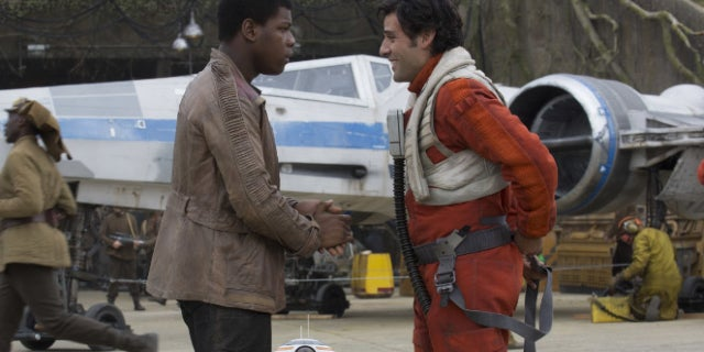 john boyega oscar isaac the force awakens