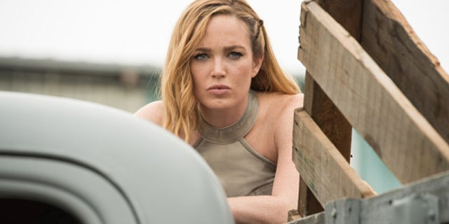 legends of tomorrow white canary caity lotz
