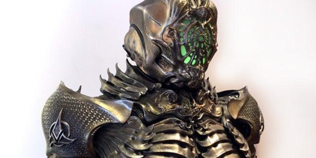 Star Trek Discovery Klingon Torchbearer