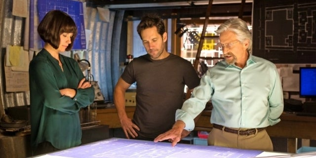 Ant-Man And The Wasp Set Photo Michael Douglas Evangeline Lilly Paul Rudd