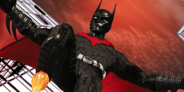 batman beyond mezco figure