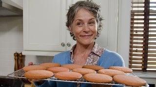 Carols-Beet-Acorn-Cookies-03142016