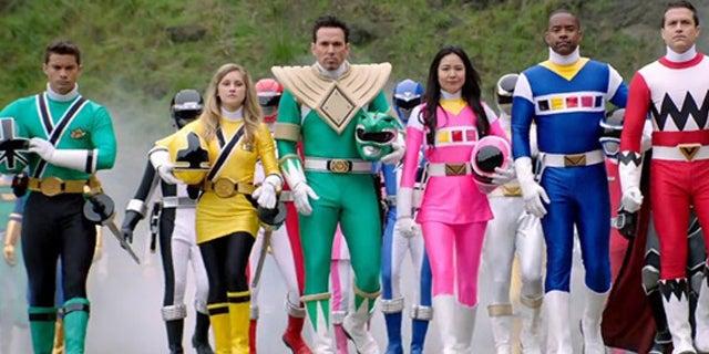 Power-Rangers-Legendary-Battle