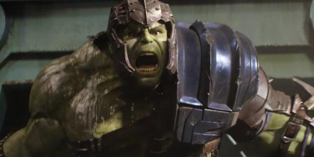 Thor-Ragnarok-Hulk-Gladiator