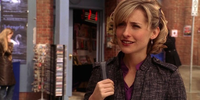 'Smallville' Actress Allison Mack Arrested in Connection with Alleged Sex Cult