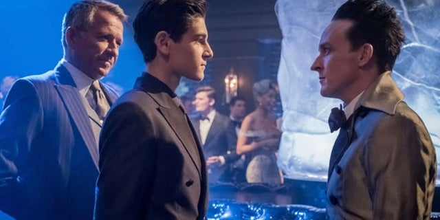 gotham-season-4-premiere-photos