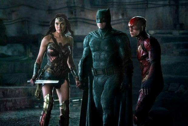 Resultado de imagem para justice league movie batman flash