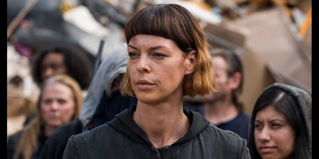 Pollyanna McIntosh Talks The Walking Dead screen capture