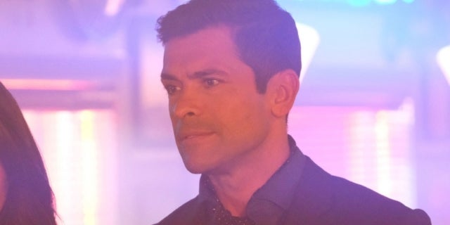 riverdale-season-2-hiram-lodge-mark-consuelos