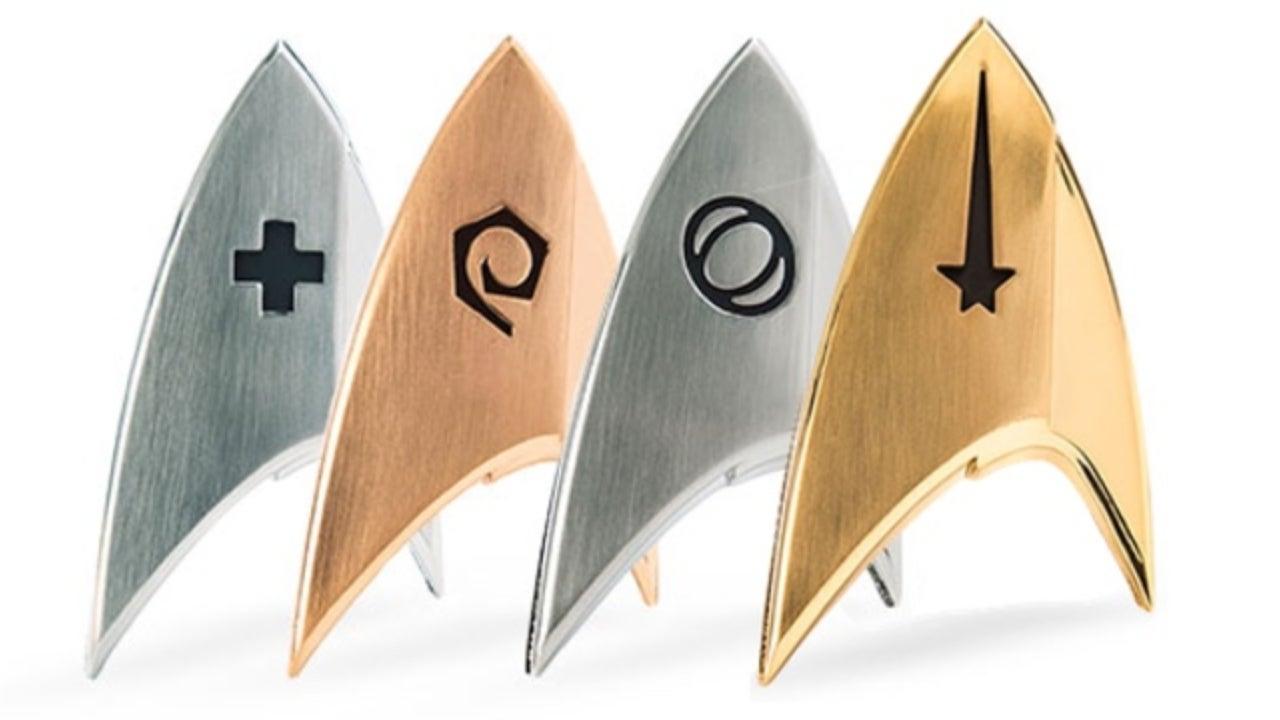 star-trek-discovery-badges-top