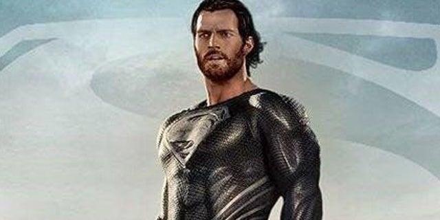 Superman-Black-Suit-Gabriel-Rock