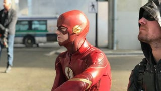 arrowverse crossover behind the scenes photo