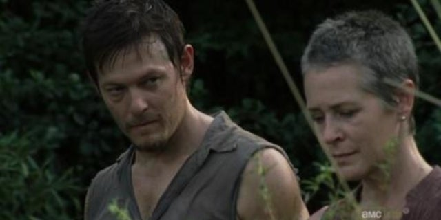 daryl-and-carol-walking-dead