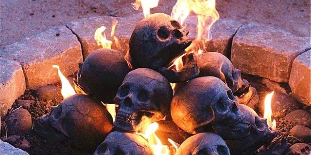 fireproof-ceramic-skulls-top