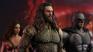 hot-toys-justice-league-aquaman-top