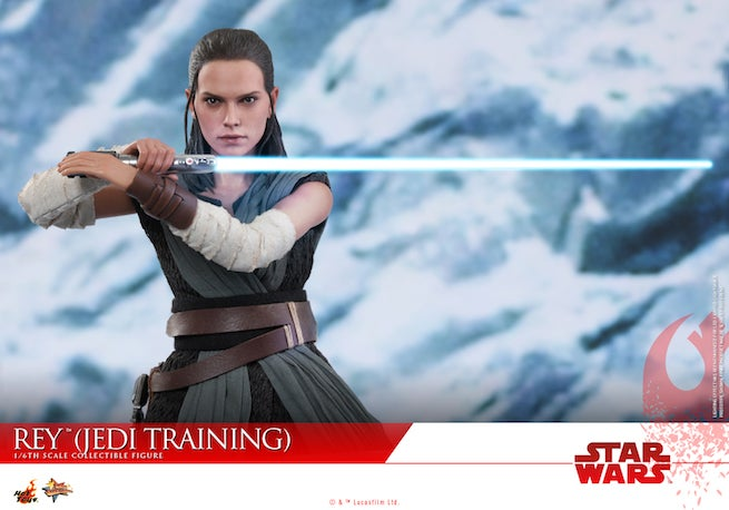 Hot Toys - SWTLJ - Rey (Jedi Training) collectible figure_PR17