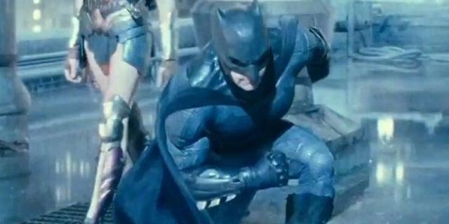 justice league batman landing