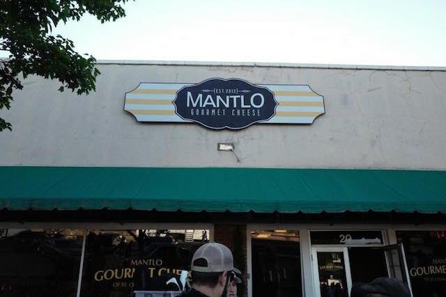 Mantlo-Cafe