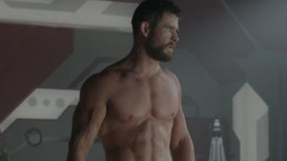 thor ragnarok chris hemsworth shirtless