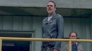 Walking Dead Season 8 Premeire Negan Almost Dies