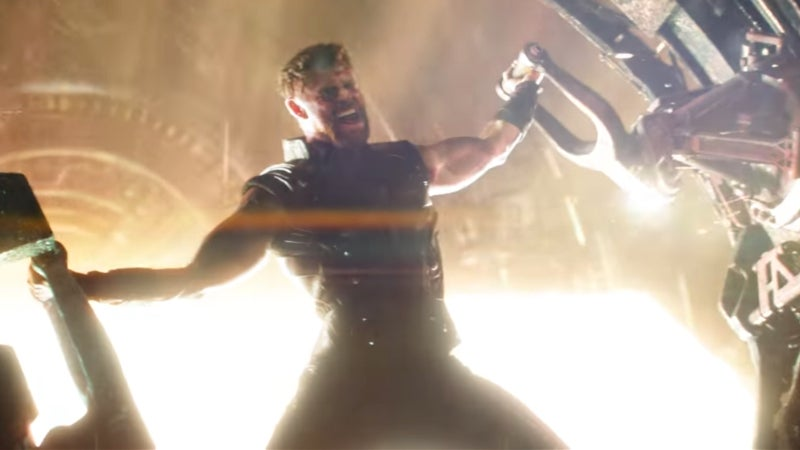 Avengers Infinity War Trailer SDCC Footage Differences -  Thor vs. Thanos