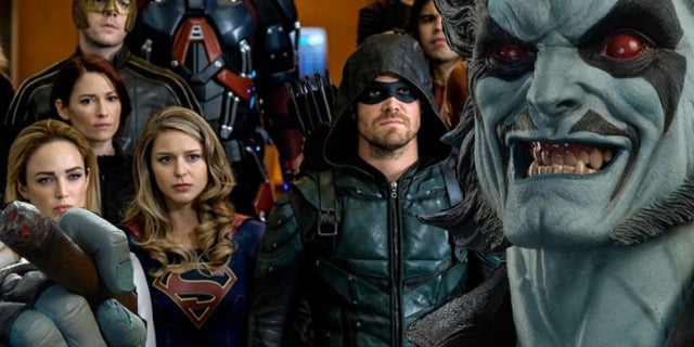 crisis-on-earth-x-promo-arrow-flash-supergirl-legends-of-tomorro-10594811
