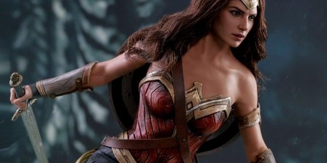 hot-toys-justice-league-wonder-woman