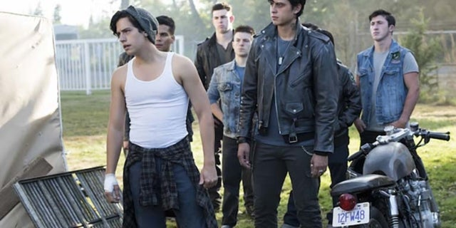riverdale cole sprouse bughead breakup