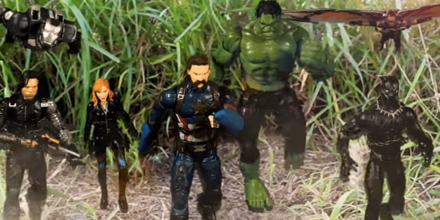 avengers action figures