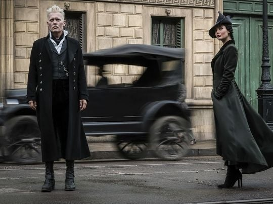 New Look At Dumbledore & Grindelwald In 'Fantastic Beasts: The Crimes Of Grindelwald'