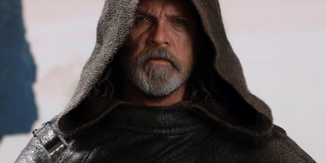 hot-toys-the-last-jedi-luke-skywalker