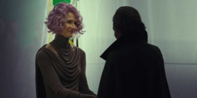 laura dern carrie fisher the last jedi holdo leia
