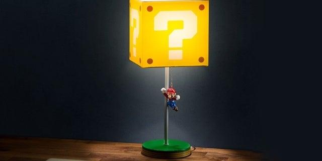 super-mario-question-block-lamp