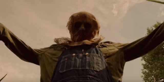 children of the corn runaway scarecrow